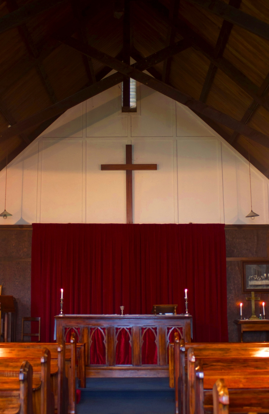 St David's interior - looking toward altar