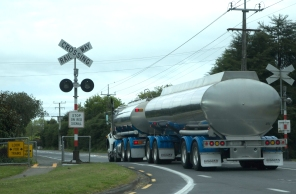 Dairy tanker over our Matangi Line by the dairy factory (Matangi) to the dairy factory (Hautapu)
